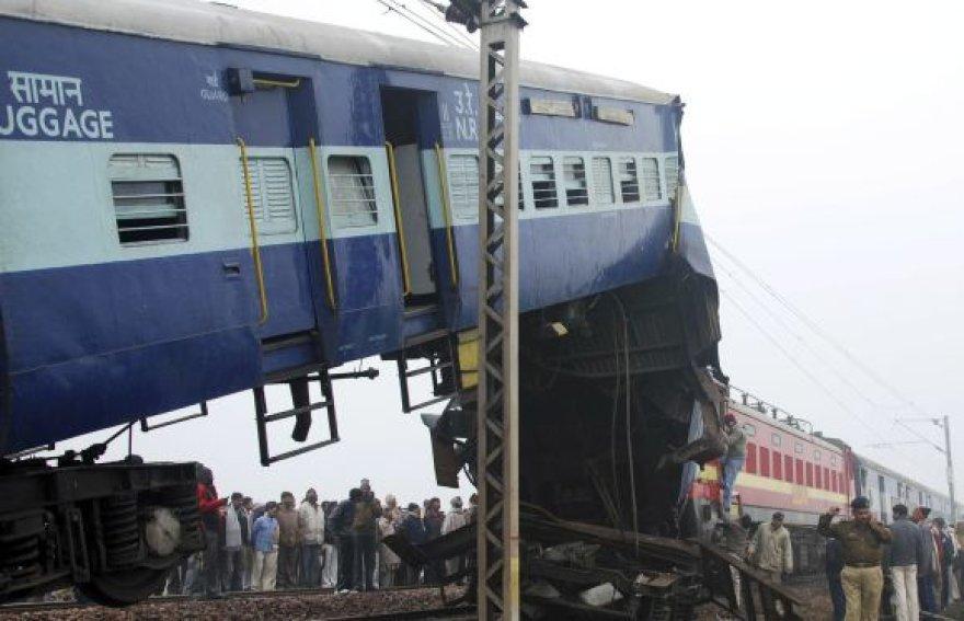 Traukinių susidūrimas Indijoje
