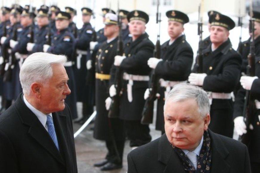 Prezidentas L.Kaczynskis 2006 m. su V.Adamkum