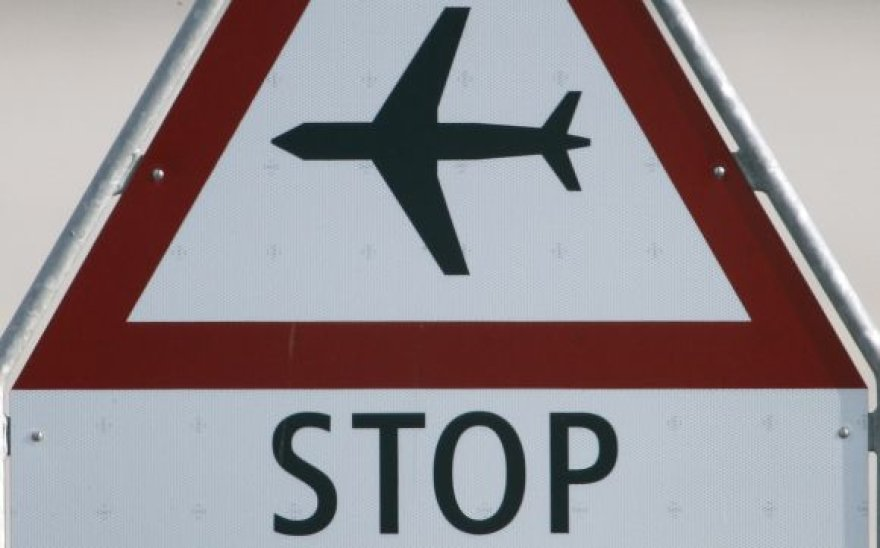 Sustabdyti skrydžiai