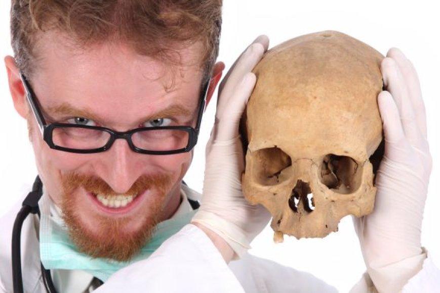 Sveikata, gydytojas su kaukole