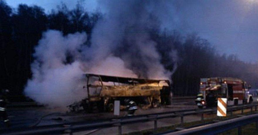 Sudegęs autobusas prie Maskvos