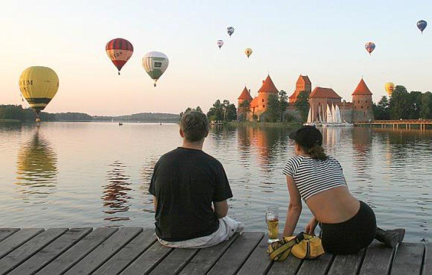 Oro balionams kartais tenka leistis netikėčiausiose vietose.