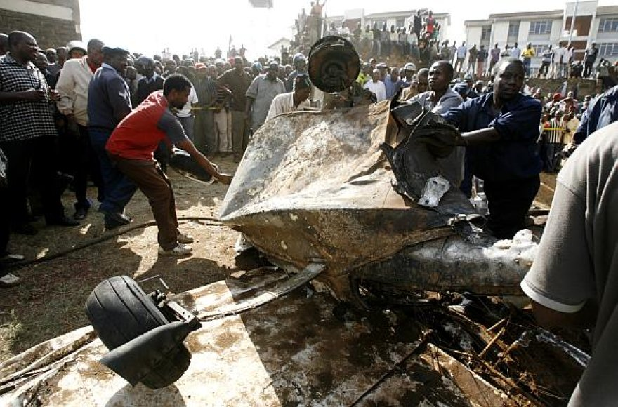 """Nairobyje sudužo lėktuvas """"Cessna 206""""."""