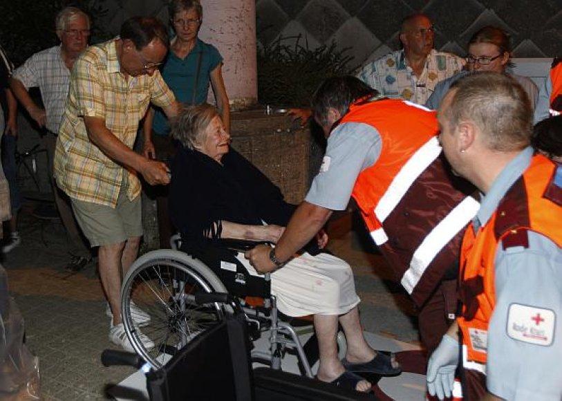 Senelių globos namų evakuacija