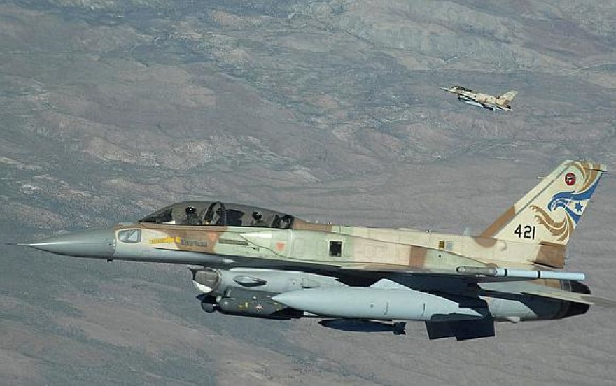Izraelio naikintuvas F-16s