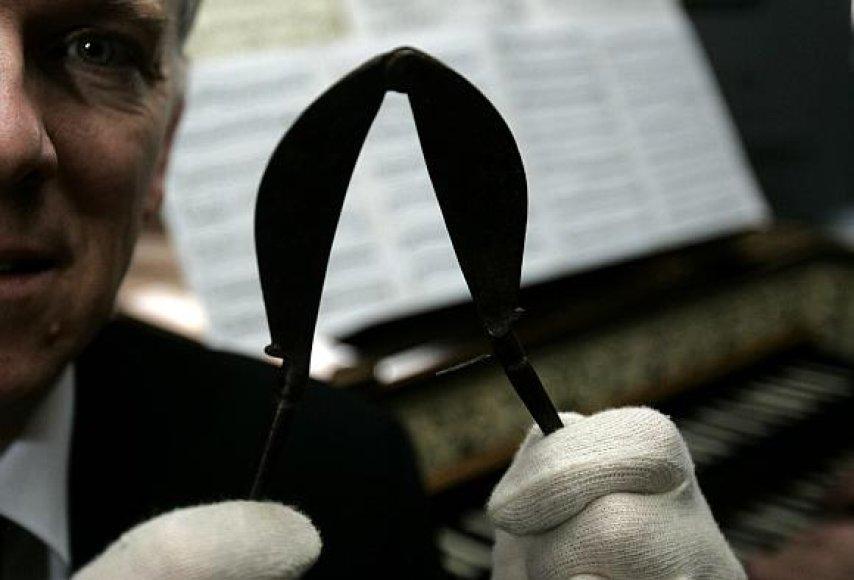 XVIII amžiaus kastravimo instrumentas