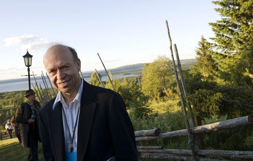 Jamesas Hansenas