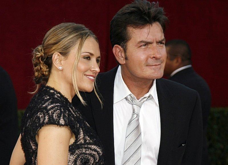 Charlie Sheenas ir jo žmona Brooke Mueller