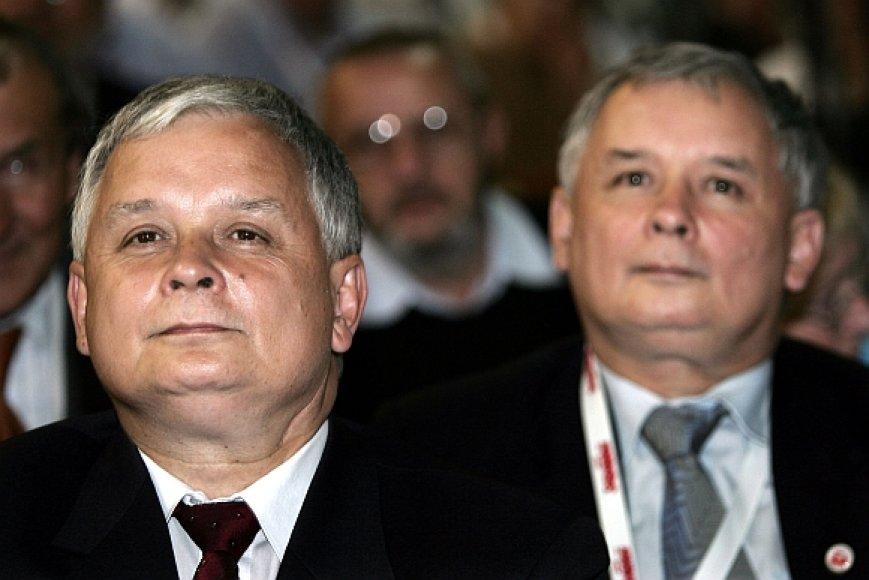 Lechas (kairėje) ir Jaroslawas Kaczynskiai