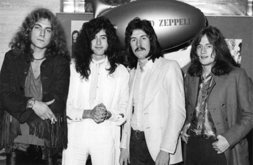 """""""Led Zeppelin"""" 1969-aisiais: (iš kairės) Robertas Plantas, Jimmy Page'as, Johnas Bonhamas ir Johnas Paulas Jonesas"""
