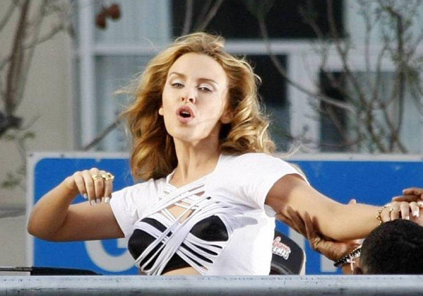 Kylie Minogue vėl vieniša