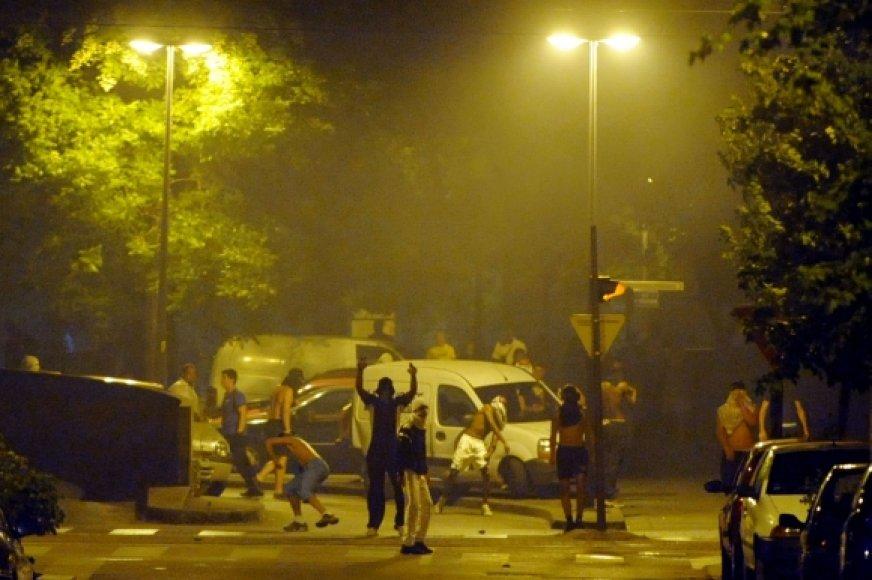 Po policininko šūvio Grenoblyje prasidėjo riaušės.