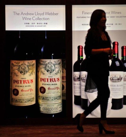 Aukciono, kuriame parduota Andrew Lloydo Webberio vyno kolekcija, reklama