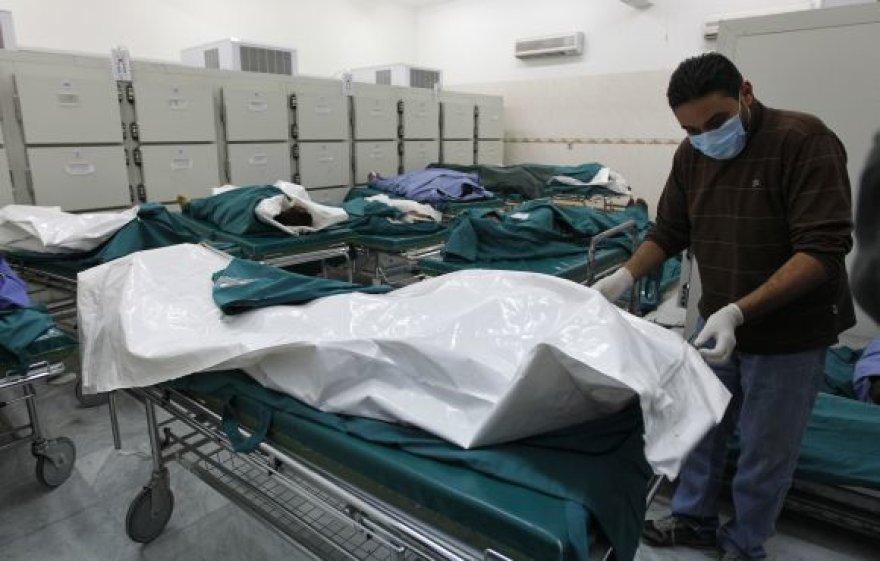Tripolio ligoninėje užsienio žurnalistams buvo parodyta 18 lavonų.