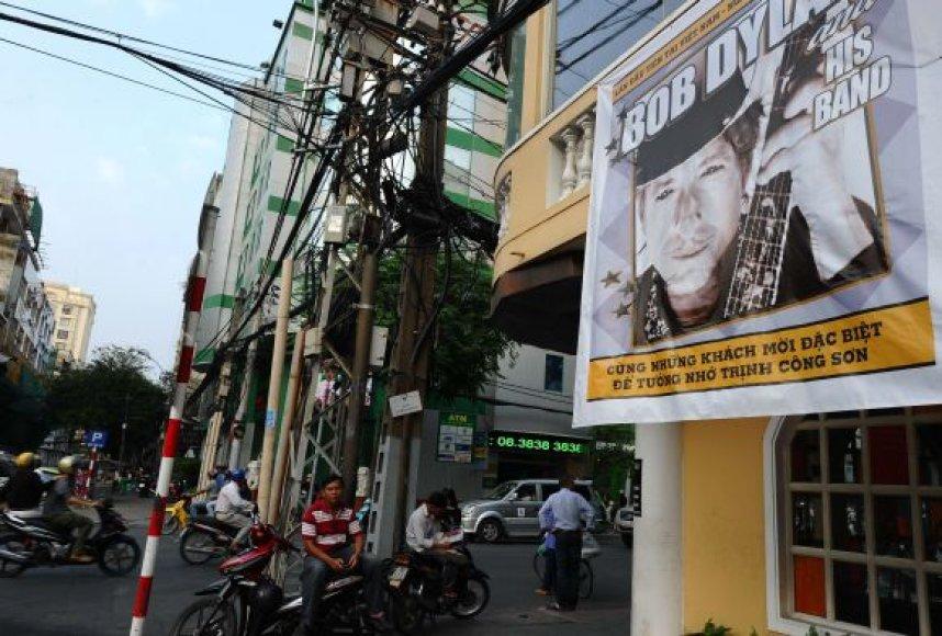 Plakatas, kviečiantis į Bobo Dylano koncertą, Ho Ši Mino gatvėje