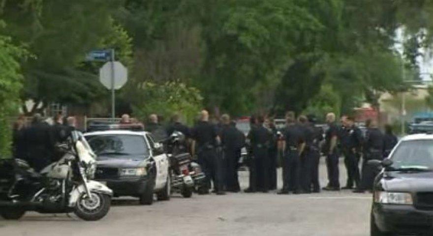 Įvykio vietoje buvo sutelktos itin gausios policijos pajėgos.