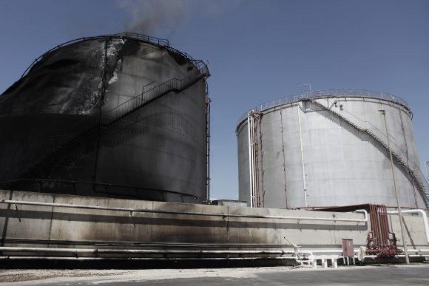 Per kovas nukentėjęs naftos transportavimo kompleksas Adždabijoje