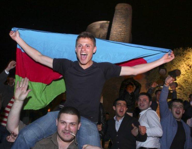 """Azerbaidžaniečiai Baku visą naktį šventė savo atstovų pergalę """"Eurovizijoje""""."""