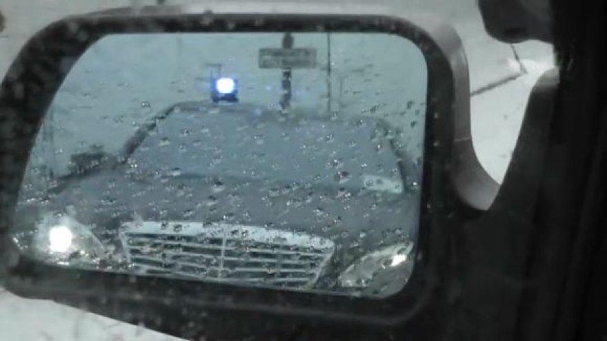 Atsargiai – prie vairo ministro vairuotojas!