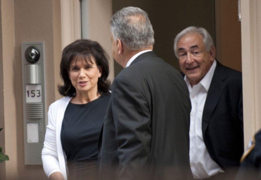 Dominique'as Straussas-Kahnas su žmona Anne Sinclair