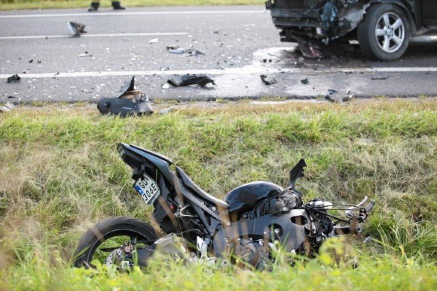 Jaroslawo Walęsos vairuojamas motociklas rėžėsi į lengvąjį automobilį, išvažiavusį iš šalutinio kelio.