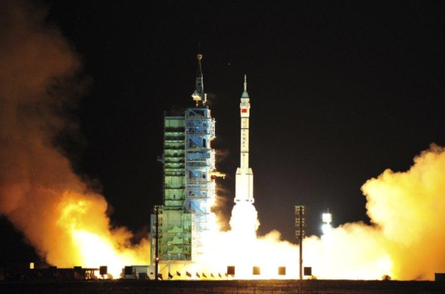 "Raketos ""Shenzhou VIII"" startas"