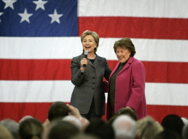 Hillary Clinton neteko savo motinos Dorothy Rodham (dešinėje).