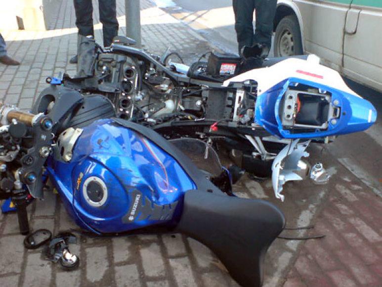 Per avariją Klaipėdoje sumaitotas motociklas