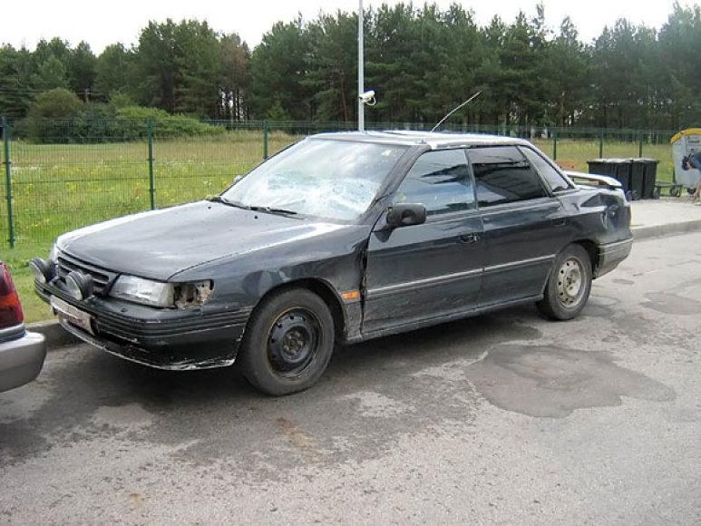 """Pasieniečių persekiotas """"Subaru"""""""