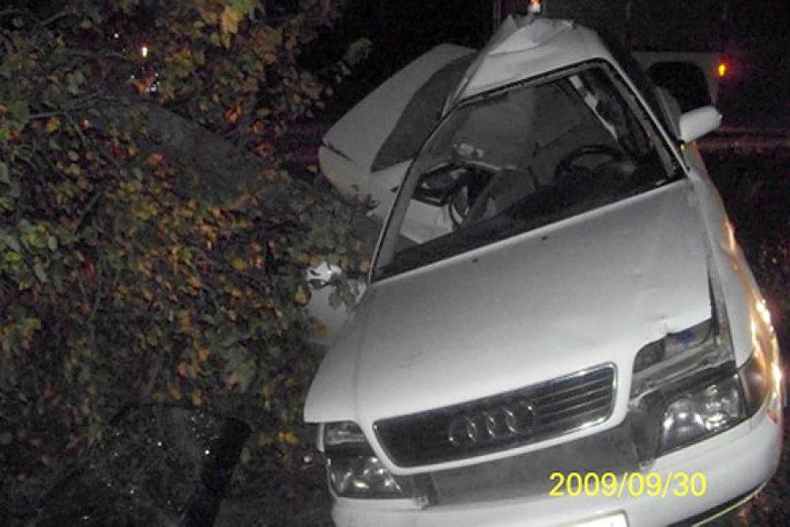 "Automobilis ""Audi"" po avarijos"