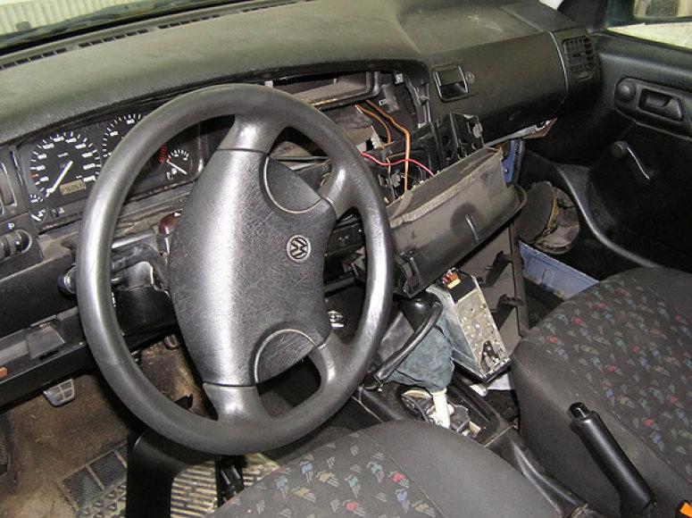 Įtariamojo automobilio vidus