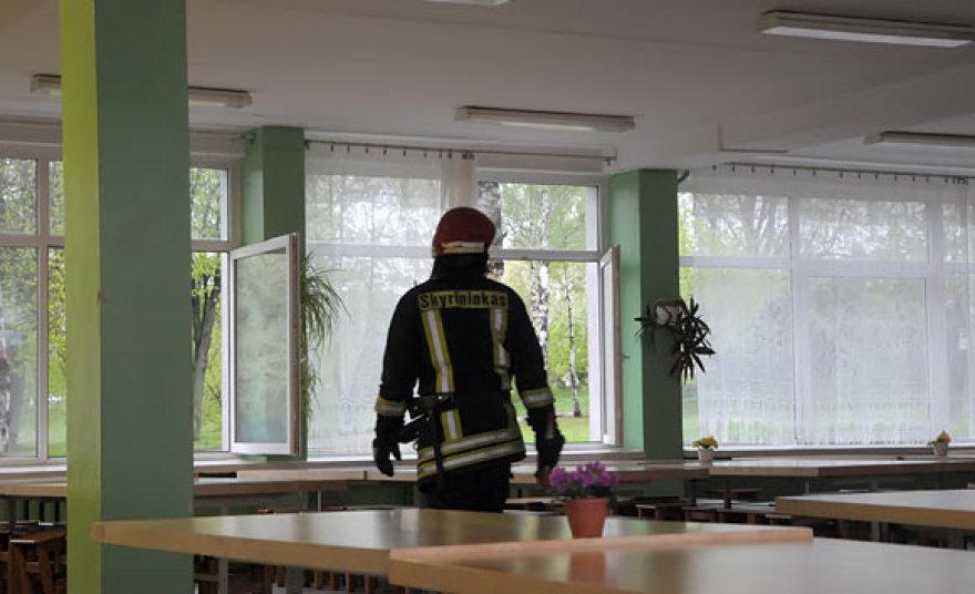 Ugniagesys mokyklos valgykloje