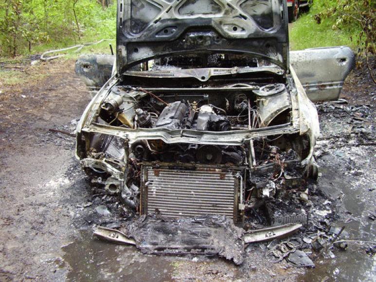 Sudegintas automobilis