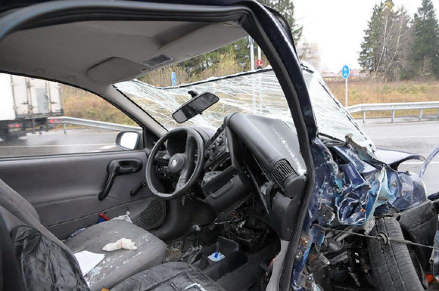 """Sumaitotas automobilis """"Opel"""""""