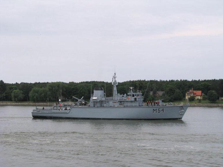 Lietuvos karo laivai išplaukia į pratybas