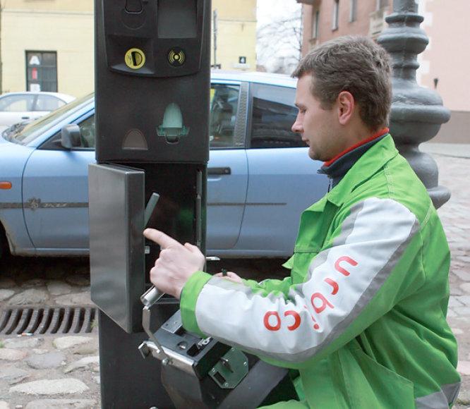 Montuojamas mokesčio už stovėjimą Klaipėdoje automatas