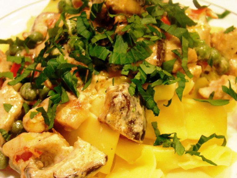 Makaronai su vištiena ir shiitake grybais