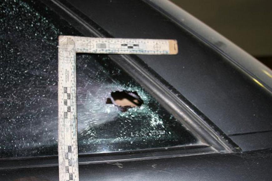 Peršautas automobilio stiklas