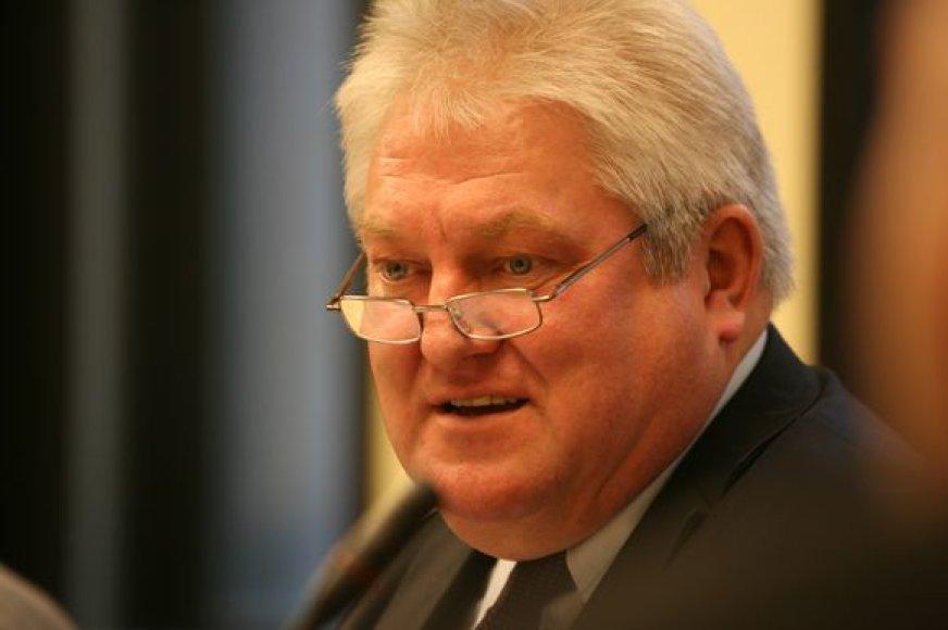 Šiuo metu atostogaujantis S.Vaičikauskas turėtų atgauti praeitų metų vasarą prarastus pinigus.