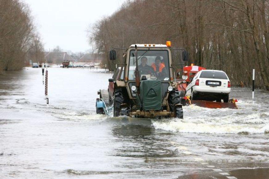 Šilutės rajone vanduo sausumos plotus užlieja kasmet, tačiau gyventojams šiemet dar neprireikė pagalbos.