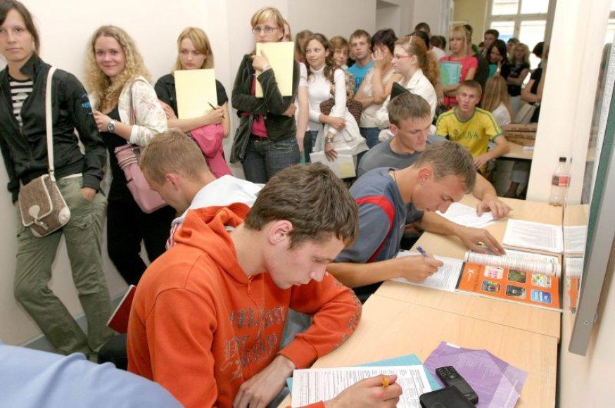 Nuotolinės studijos Lietuvoje nesulaukia didelio besimokančiųjų susidomėjimo ir tebėra gaubiamos neigiamo įvaizdžio.