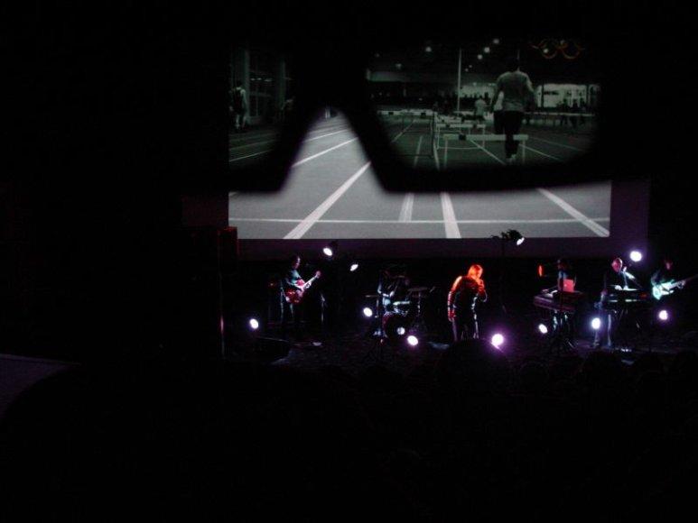 """Grupė """"Happyendless"""" 3D koncertų turą užbaigs Vilniuje."""