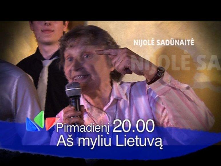 """""""Aš myliu dalyvius"""" naktiniame klube išplūdo disidentė Nijolė Sadūnaitė."""