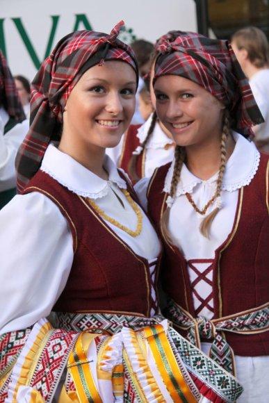 """Baltijos šalių studentų dainų ir šokių šventė """"Gaudeamus XVI""""."""