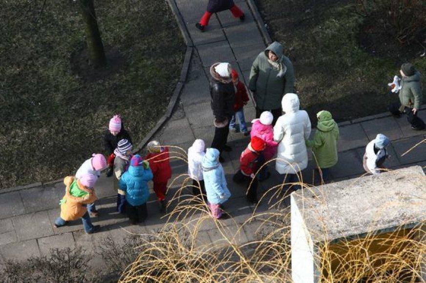Klaipėdos darželius mažyliai iš rajono galės lankyti tik gavę rajono savivaldybės siuntimą.