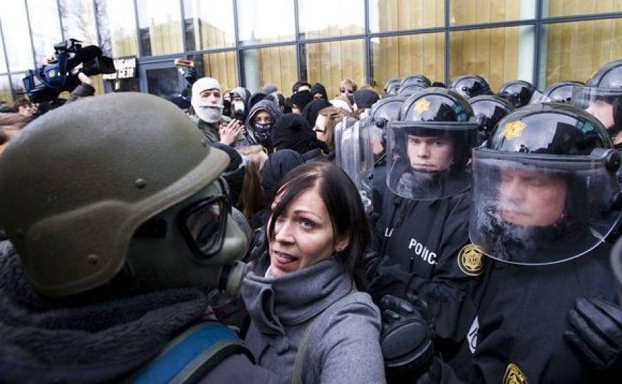 Islandijoje ekonomikos krachas baigėsi valdžios pakeitimu.