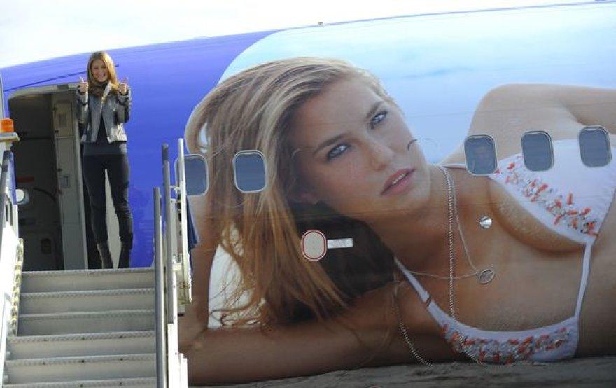 Bar Refeali atvaizdas papuošė lėktuvo šoną.