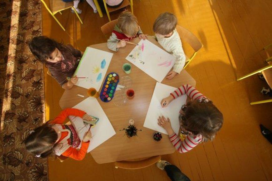 Vaikų ugdymo reikmėms skirtas mokestis, dabar siekiantis 1 Lt už dieną, sostinės darželiuose gali išaugti iki 2,5 Lt. Tam dar turės pritarti Vilniaus miesto taryba.