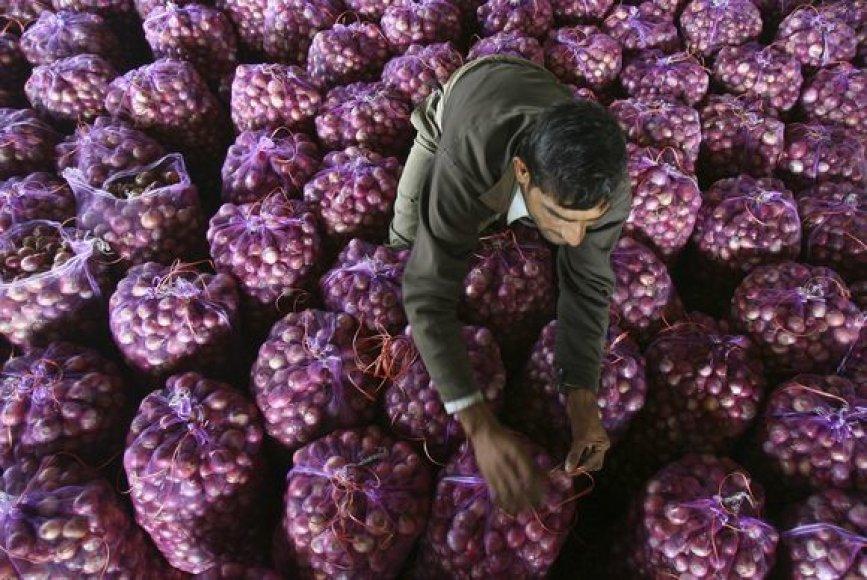 Per pastarąją savaitę svogūnai Indijoje pabrango dvigubai.