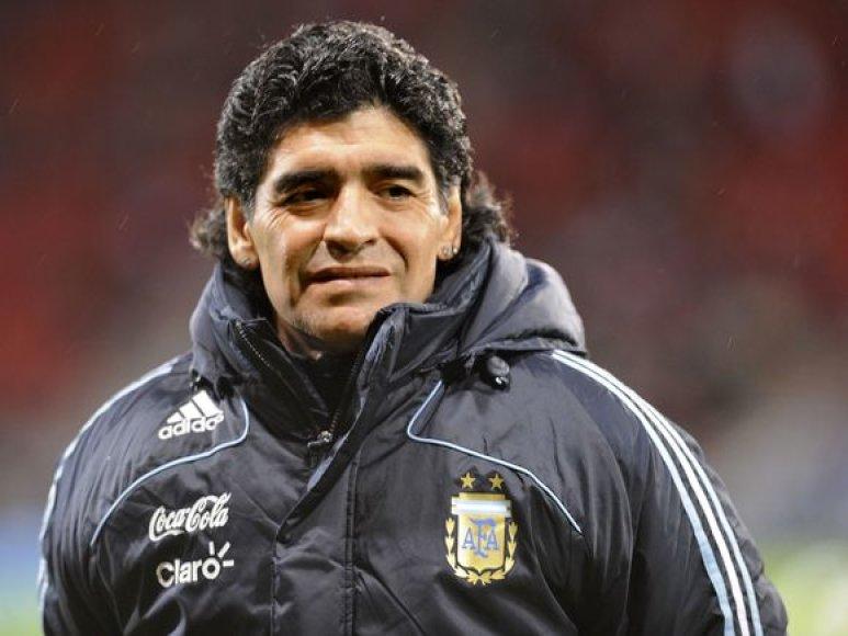 I.Wellwortho keršto taikiniu pirmosiose savo varžybose už rinktinės vairo tapęs D.Maradona draugiškame mače prieš škotus šventė pergalę rezultatu 1:0.